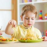 保育園 給食 子供 食事