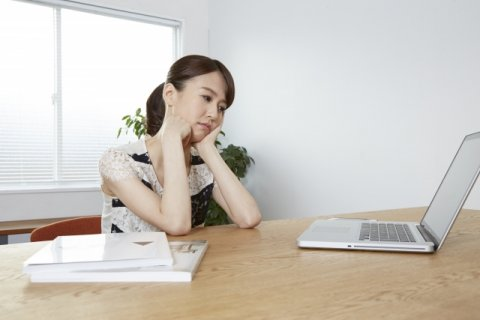日本人 女性 考える 疑問 悩む
