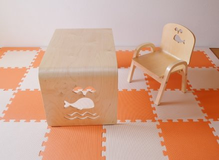 要出典 幼児 子供机 椅子 MAMENCHIサイズ大き目な子供用木製テーブル クジラ