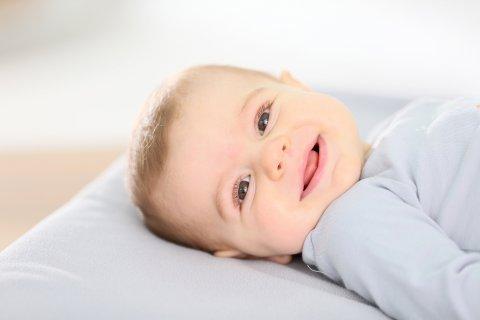赤ちゃん 笑う 笑顔