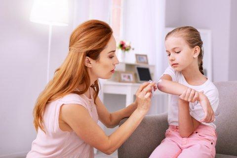 塗り薬 子供 女の子 ママ 親子 水疱瘡