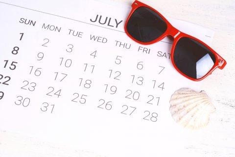 カレンダー スケジュール 夏 夏休み 7月 サングラス 貝