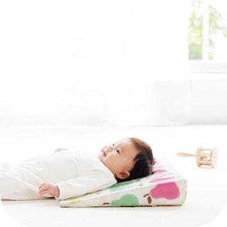 赤ちゃん 枕 サンデシカ スリーピングピロー 吐き戻しをやわらげる ベビー枕