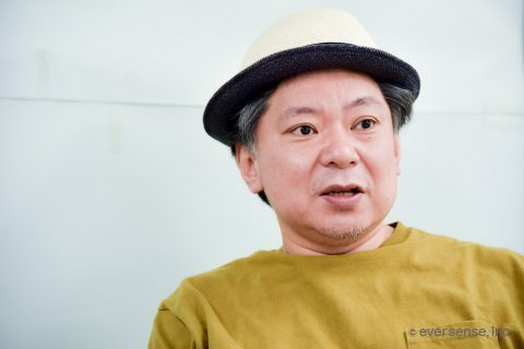 鈴木おさむ氏 ママにはなれないパパ インタビュー風景02 eversense