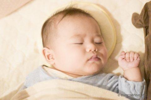 赤ちゃん 生後3ヶ月 ねんね オリジナル画像