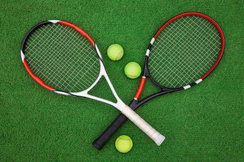 テニスラケット テニスボール