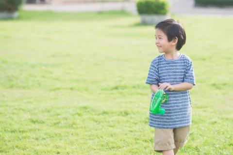 子供 男の子 外遊び 公園