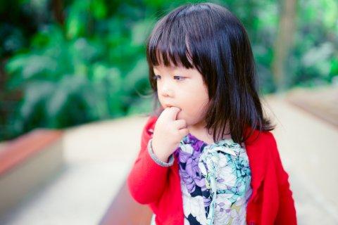 ポリオ 指しゃぶり 子供 日本人
