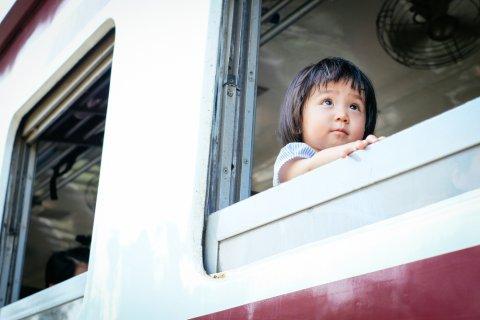 赤ちゃん 子供 電車 日本人