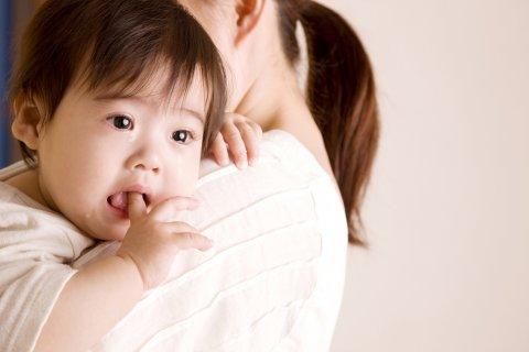 赤ちゃん 日本人 泣く