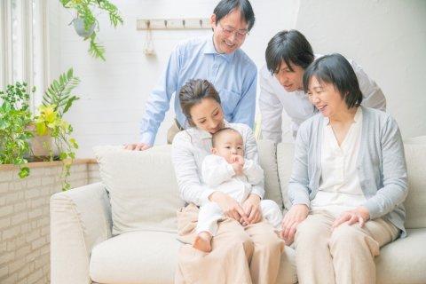 家族 祖父母 孫 日本人