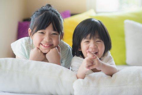 女の子 子供 姉妹 日本人