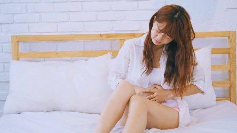 胃痛 女性 腹痛 日本人