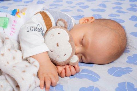 赤ちゃん 日本人 人形