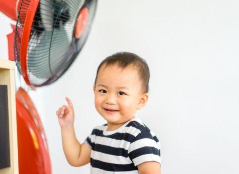 扇風機 子供 日本人