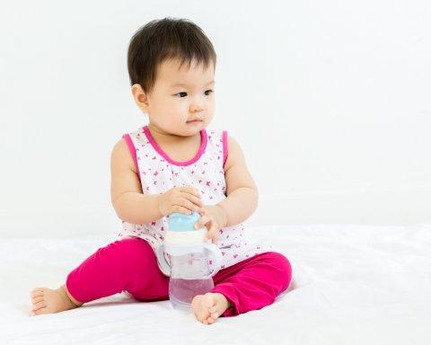 赤ちゃん 日本人 水分補給