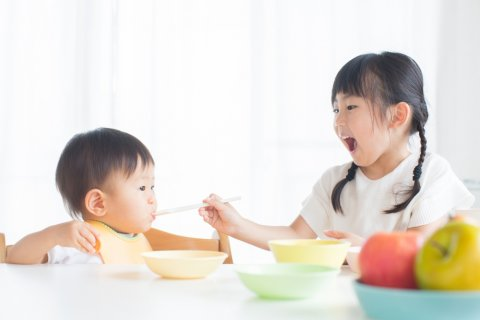 日本人 離乳食 きょうだい