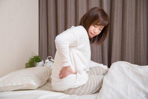 日本人 女性 腰痛