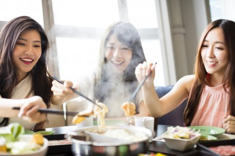 日本人 女性 食事