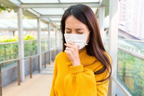 日本人 女性 咳