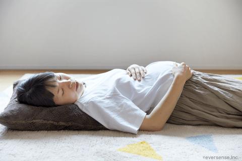オリジナル 妊婦 苦しむ 陣痛 腹痛