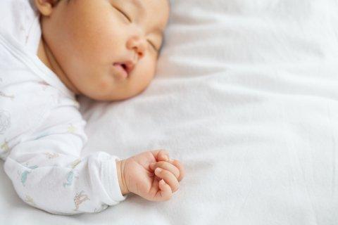 赤ちゃん 寝る 日本人