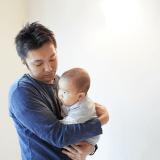 オリジナル 赤ちゃん パパ 抱っこ