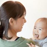 オリジナル 赤ちゃん ママ 抱っこ