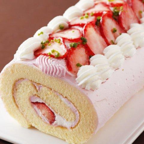 要出典 とちおとめプレミアムロールケーキ