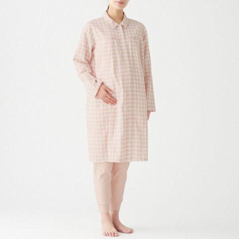 要出典 無印良品 マタニティ 脇に縫い目のない二重ガーゼ授乳に便利な長袖パジャマ