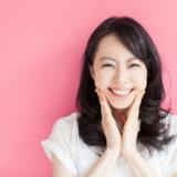 女性 笑顔 日本人