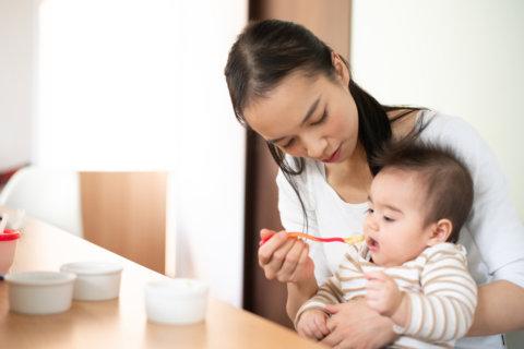 離乳食 ママ 赤ちゃん