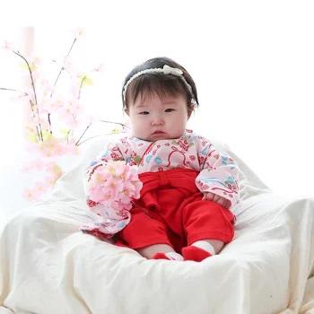 要出典 お食い初め 赤ちゃん 服装 女の子 袴ロンパース