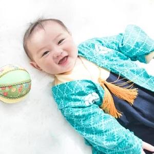 要出典 お食い初め 赤ちゃん 服装 紋付袴風 ベビー羽織付きロンパース