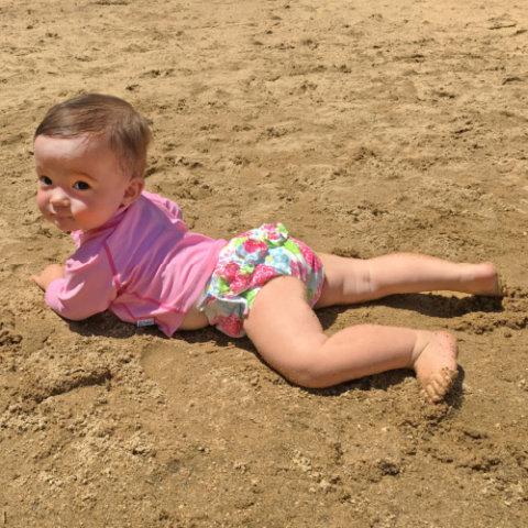 要出典 ベビー水着 女の子 アイプレイ オムツ機能付き 水遊び用パンツ