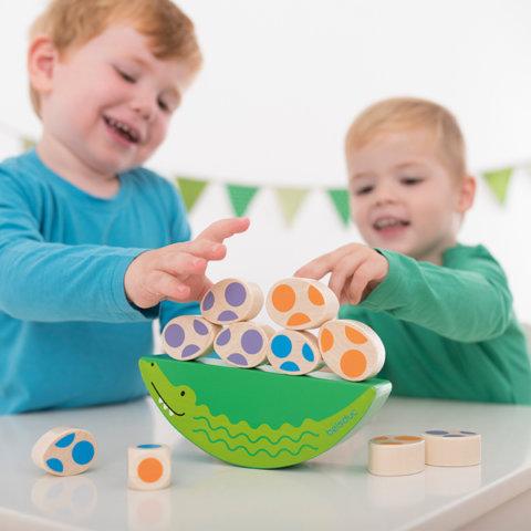 要出典 2歳 おもちゃ ボーネルンド ワニの親子のぐらぐらゲーム