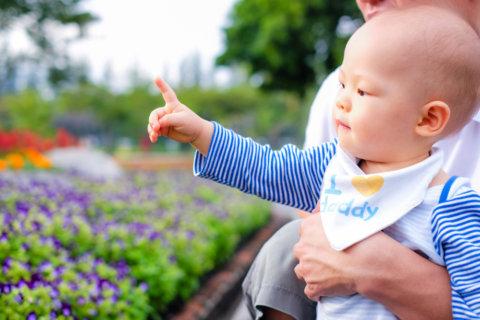 赤ちゃん 指差し