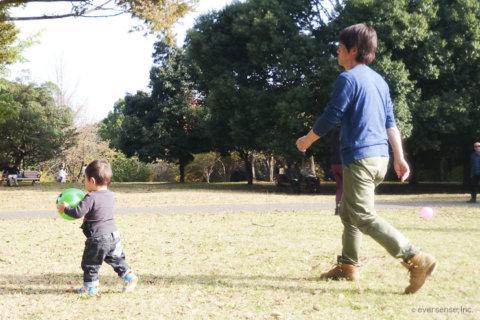 赤ちゃん パパ 公園
