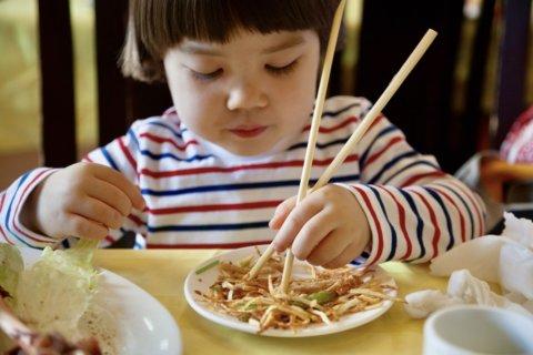 2歳 3歳 箸 食事